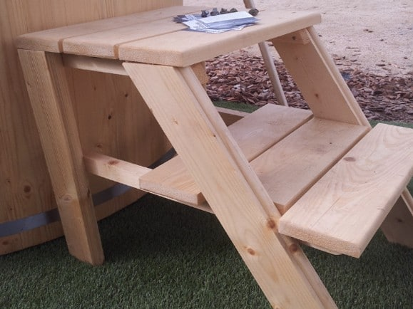 escalera tina de madera