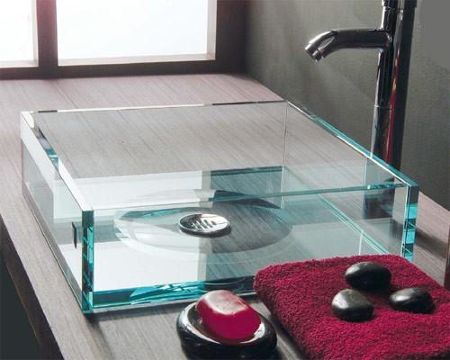 Lavabos de cristal en el baño