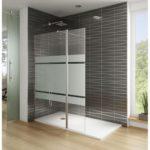 Una ducha requiere de un mantenimiento para prevenir la cal y la suciedad.