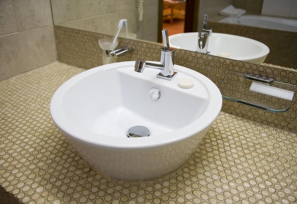 Trucos para escoger lavabo sobre encimera